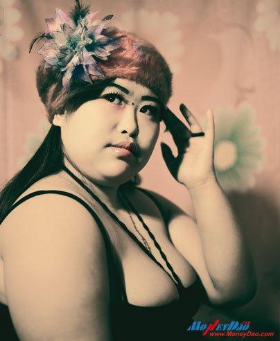 韩磊《一个坐在洗头房里的年轻女子》