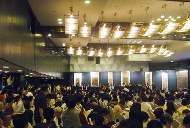 中国艺术品拍卖市场逼近英美